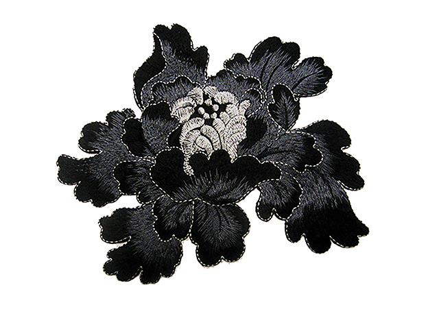 PASSION EMBROIDERED FLOWER MOT