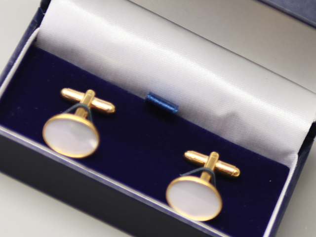 OVAL CUFFLINKS GOLD PEARL